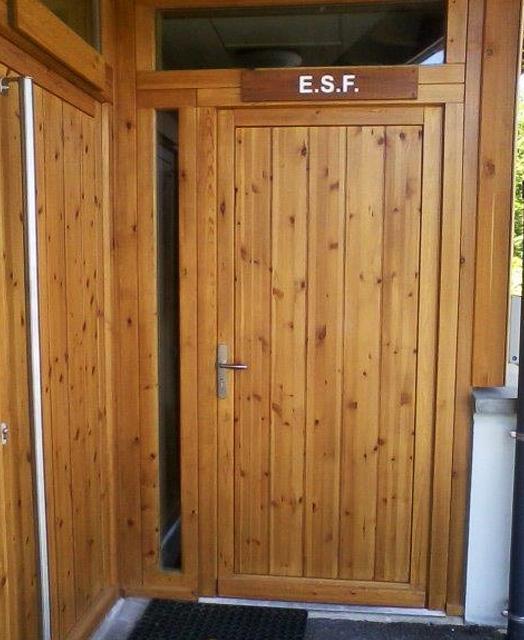 Ensemble de portes et impostes vitrées en Pin.