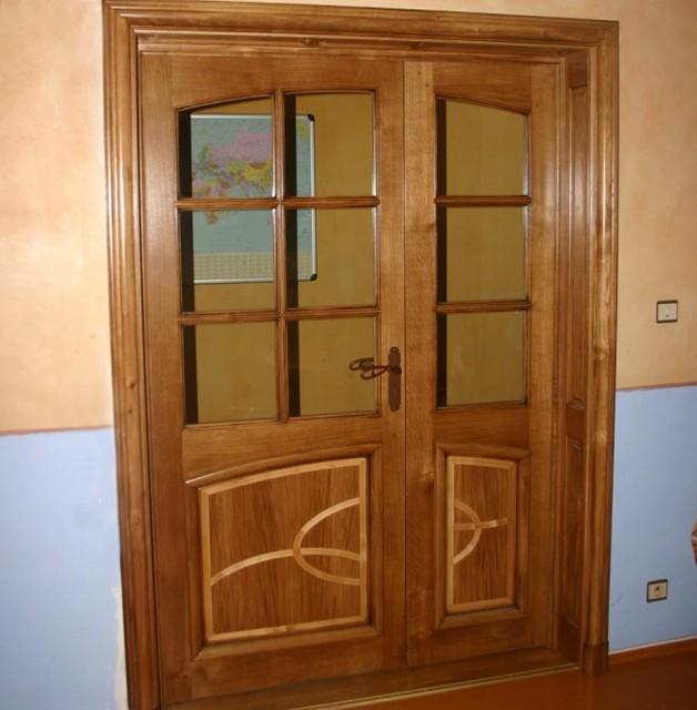 Porte intérieure à panneaux assemblés