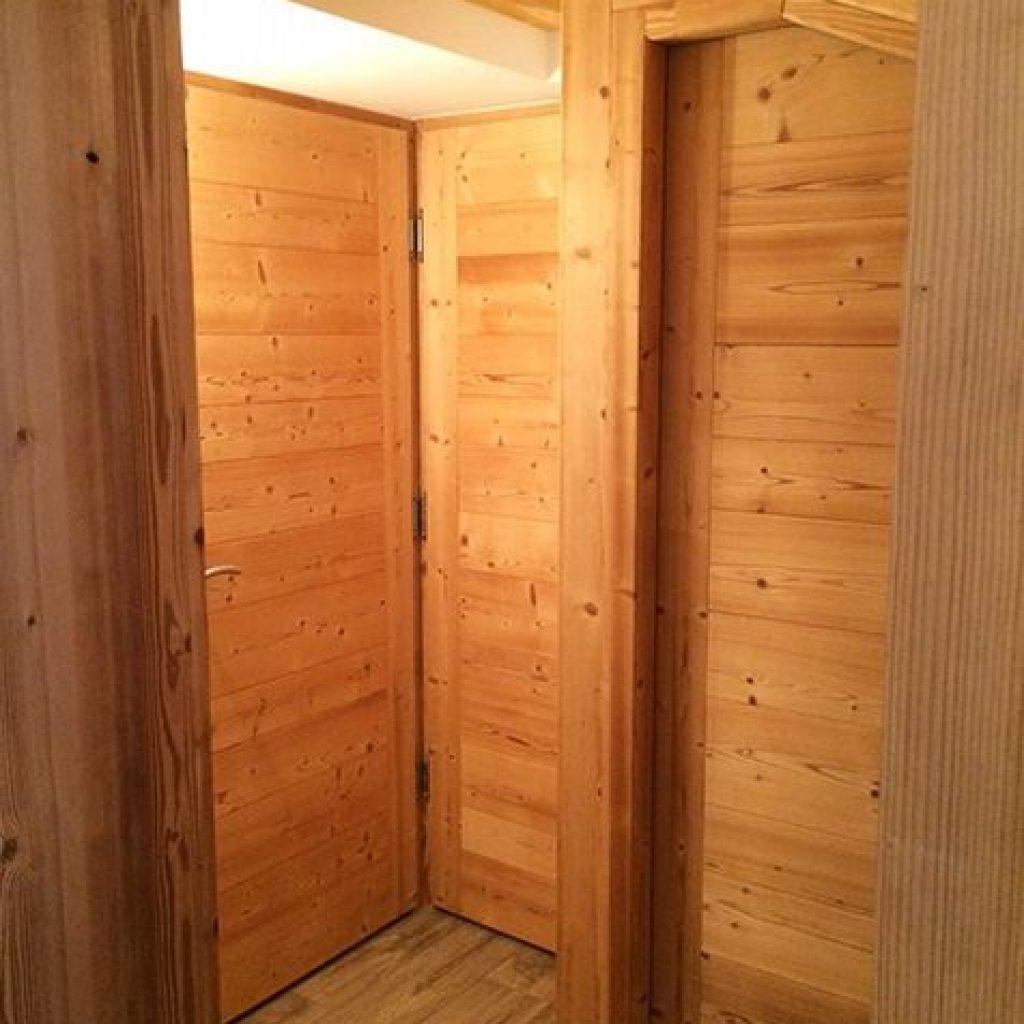 Portes intérieures sur mesure style «Alpage» en Pin Thermo